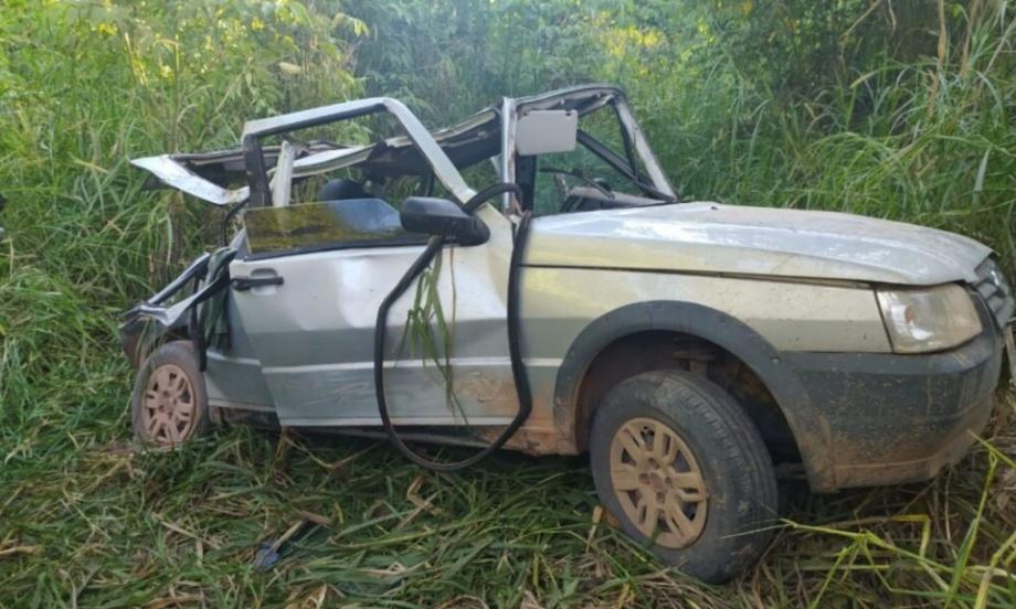 Veículo completamente destruído após o acidente. | Foto: Mauro Torres