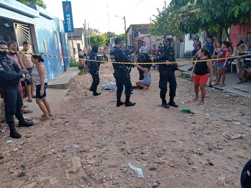 Fábio Marinho de Sousa, vítima de homicídio, no bairro da Esperança, em Santarém. | Foto: Elton Pereira/TV Tapajós