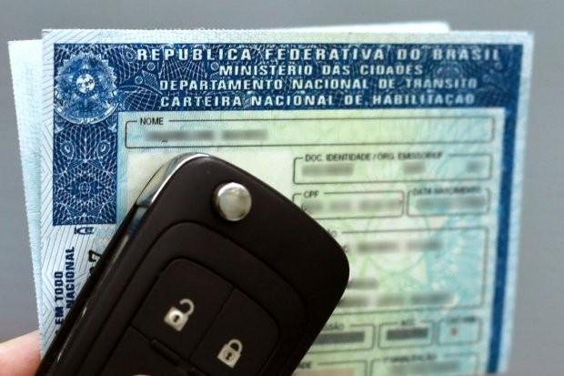 Câmara aumenta para 10 anos validade de CNH para motoristas profissionais