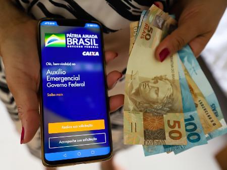 Parlamentares não querem redução no valor; novas parcelas estudadas pelo governo seriam, segundo Bolsonaro, de R$ 500, R$ 400 e R$ 300.