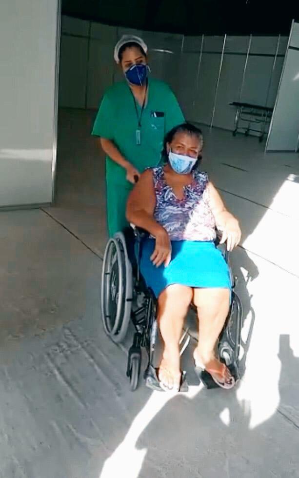 Idosa de 73 anos deixa Hospital de Campanha de Santarém curada da COVID-19