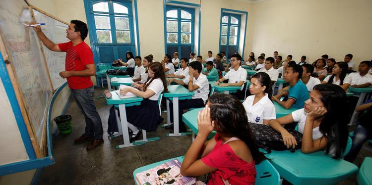 Volta às aulas é discutida, mas retomada depende dos números da pandemia
