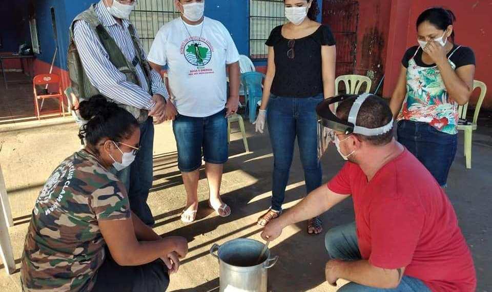 """Atingidos por Belo Monte aprendem a """"multiplicar e dividir"""" sabão"""
