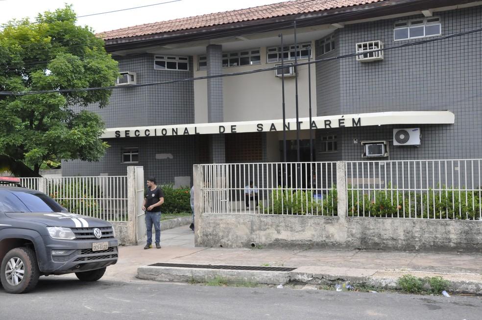 Homem foi preso em flagrante e conduzido a 16ª Seccional de Polícia Civil de Santarém. (Foto: G1)